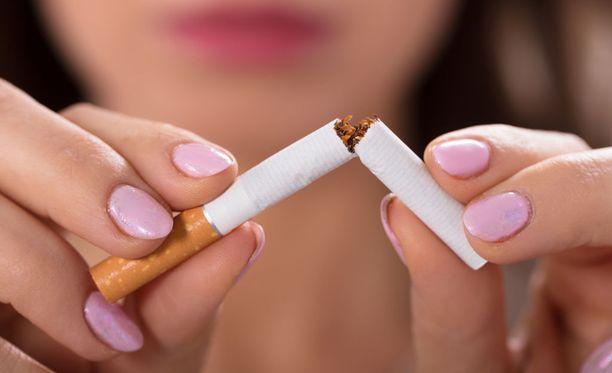 Teini-ikäisenä aloitettu tupakanpoltto voi olla niin oleellinen osa identiteettiä, että tupakkalakko voi olla vaikea asia.