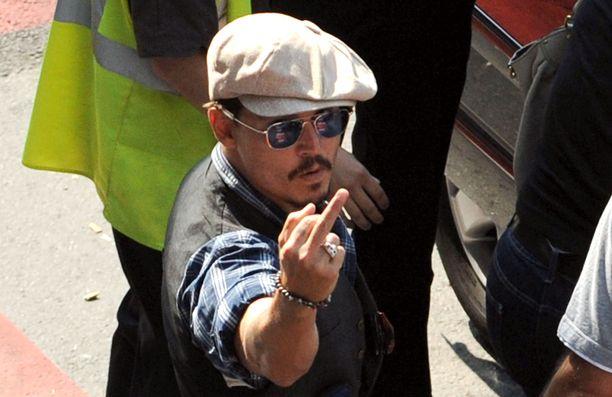 Johnny Depp on usein julkisuudessa hermostunut.