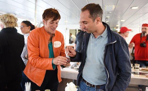 Christophe Schmitt ja Luonnon Magian Nina Abraitis.