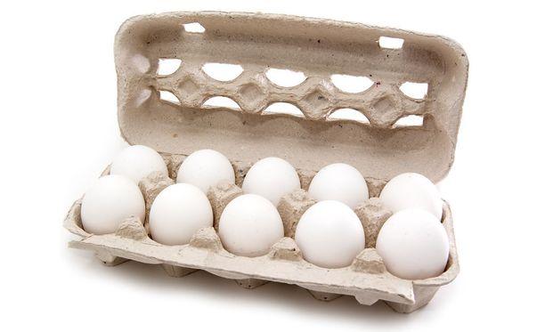 Lyhyeen loppuneen kananmunanheittelyn oli poliisin mukaan ollut tarkoitus jatkua pitkään, sillä pidätettyjen autosta löytyi iso liuta munia.