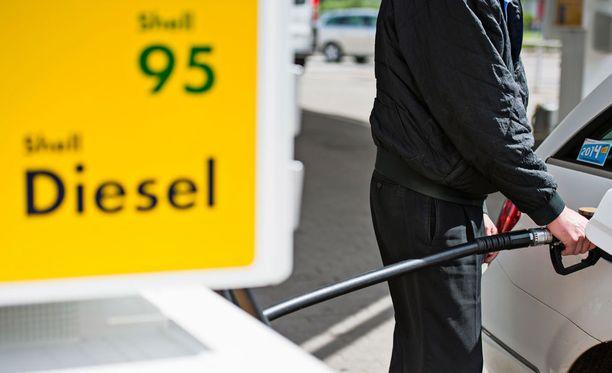 Bensaa vai dieseliä? Muista valita oikein!