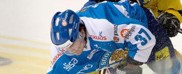 Juha-Pekka Haatajan sihti ei ollut kohdillaan.