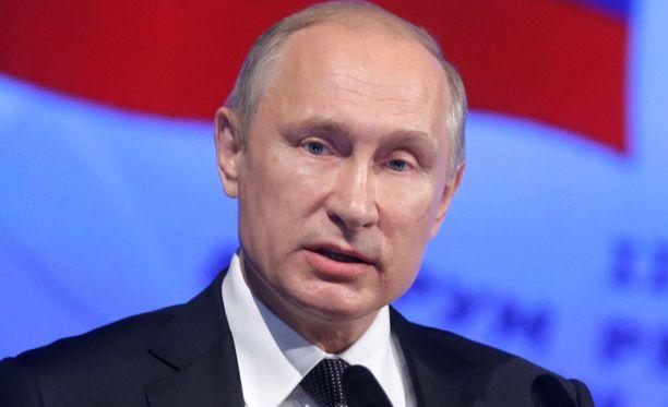Vladimir Putin ei usko Ranskan poliisin raportteihin.