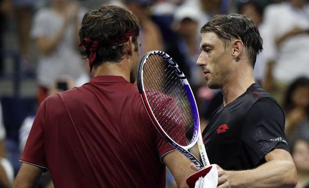 John Millman tunnusti pitävänsä Federeriä sankarinaan.