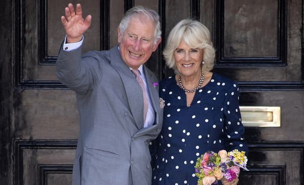 Prinssi Charlesin ja herttuatar Camillan koti henkii historian havinaa.