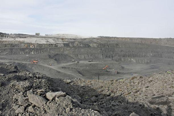 Terrafame on havainnut kohonneita metallipitoisuuksia pohjaveden seuranta- ja pumppauspisteissä. Kuvassa yhtiön louhos Sotmakossa.