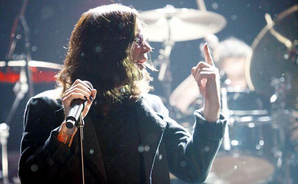 Ozzy Osbourne on vastannut yhdestä rock-historian unohtumattomimmista ja ällöttävimmistä hetkistä.