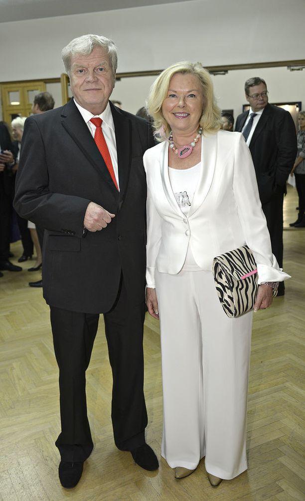 Tertta Saarikko ja Jouko Skinnari, joka kuoli syöpään huhtikuussa 2016.