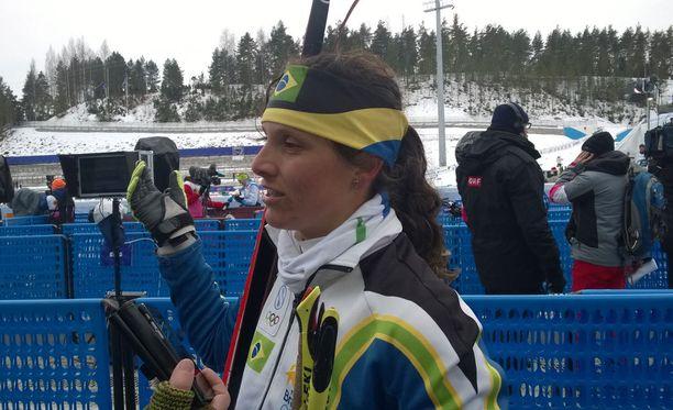 Bruna Moura edusti Brasiliaa Lahden MM-laduilla.