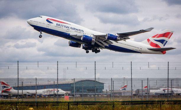 Lontoon Heathrow'n lentoaseman työntekijän epäillään osallistuneen huumausainerikokseen. Heathrow on Ison-Britannian suurin kansainvälinen lentoasema.