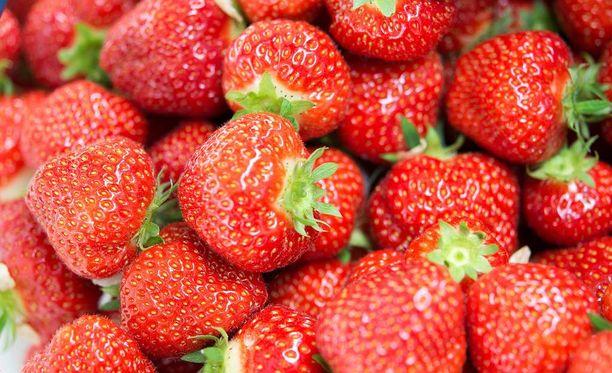 Viime vuonna mansikkaa saatiin 15 miljoonaa kiloa, mutta tänä kesänä on tyytyminen vähempään.