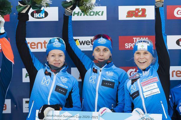 Laura Mononen (vas.), Maija Hakala ja Anni Kainulainen muodostavat Hämeenlinnan Hiihtoseuran timanttisen viestitrion.