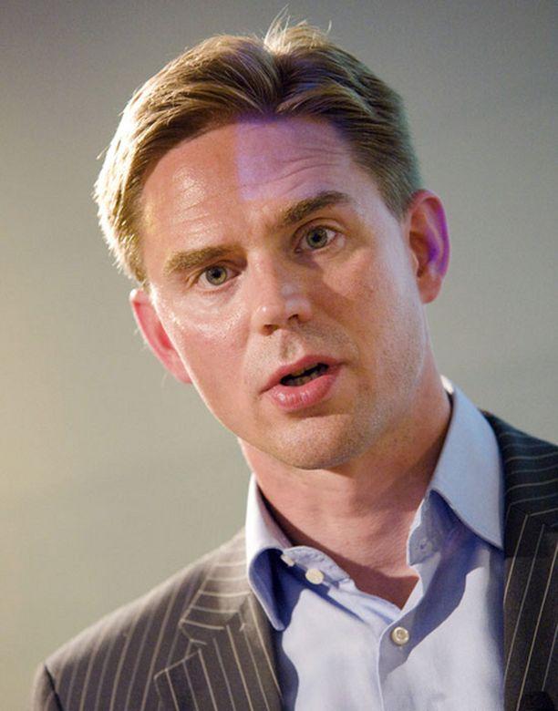 Valtiovarainministeri Jyrki Katainen puuttuu hyvin todennäköisesti työsuhdeautojen verokohteluun ennen vuodenvaihdetta.