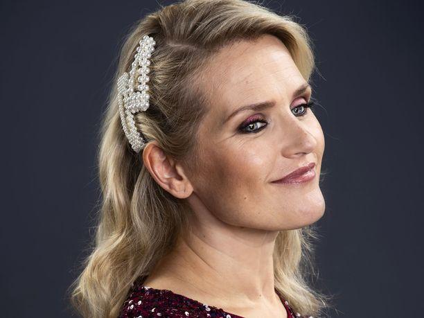 Anna hetki kauneudelle -kampanjan lukijamallina on helsinkiläinen Ulla Hirvas.