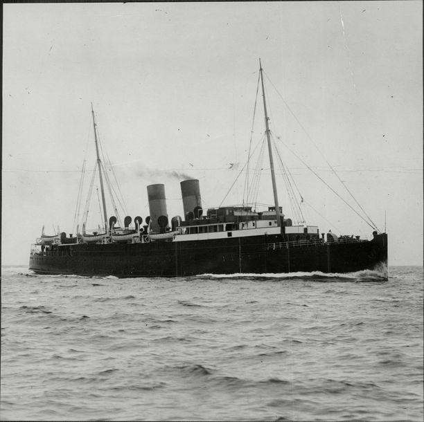 S/S Dinard palveli Englannin kanaalilla, ja sodan aikaan sairaalalaivana.