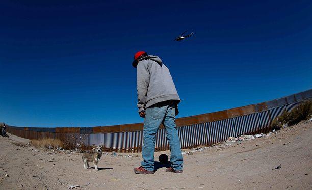 Meksikon muurin rakentamisesta päättää lopullisesti kongressi, ei presidentti. Osalla rajaa muuri jo on, kunten Ciudad Juárezissa.