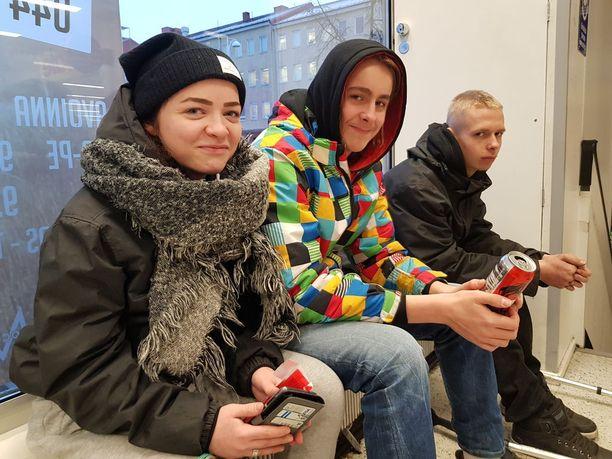 Jemina Kainulainen, Niko Soronen ja Toni Lukkarinen suhtautuvat jyrkän kielteisesti huumeisiin.