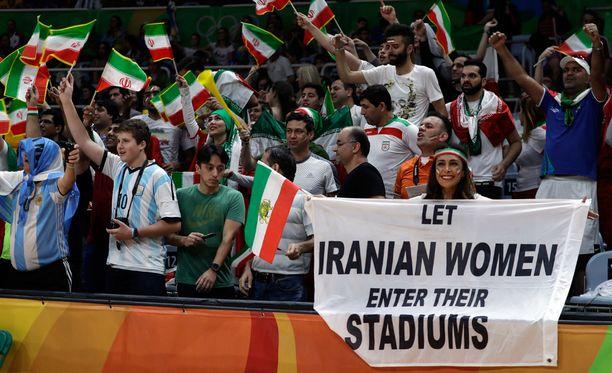 Darya Safai puolustaa iranilaisnaisten oikeuksia olympialaisissa.