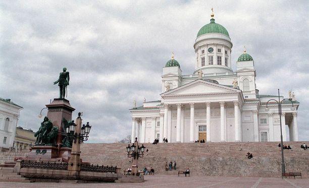 Presidentti Mauno Koivisto siunataan helatorstaina Helsingin tuomiokirkossa.
