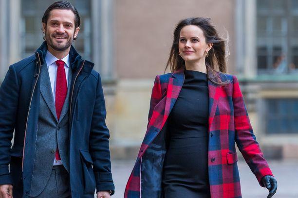 Prinssi Carl Philip ja Sofia kertoivat prinsessan raskaudesta 11. joulukuuta.