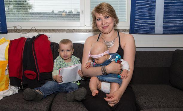 Mervi Koponen on nykyään kahden lapsen äiti.