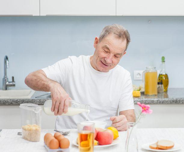 Vanhemmalla iällä lihasmassan menetys kiihtyy. Elintavoilla on suuri vaikutus siihen, milloin lihasreservien pienuus alkaa näkyä toiminnallisina ongelmina.