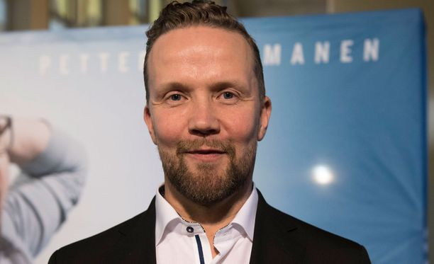 Kuvassa Petteri Summanen elokuvan kutsuvierasensi-illassa Helsingissä.