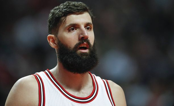 Nikola Mirotic jatkaa Chicago Bullsissa.