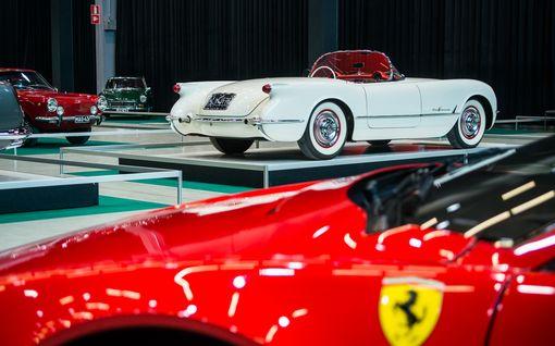 Joukossa myös ensimmäinen Suomeen tuotu katu-Ferrari: Klassikkonäyttelyn todelliset katseen pysäyttäjät