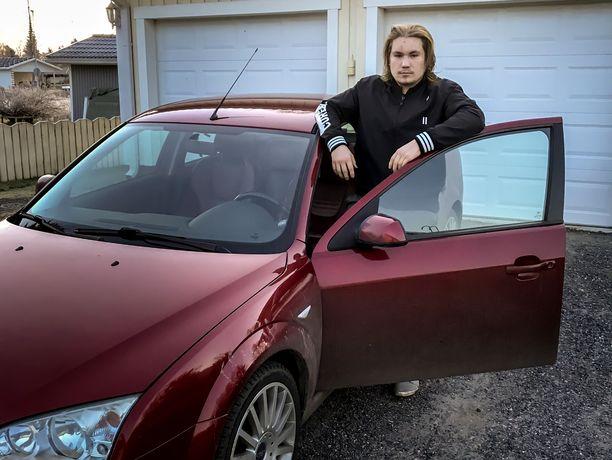 Aleksi Kosken arki helpottui huomattavasti, kun hän sai ajokortin ja auton käyttöönsä 17-vuotiaana.