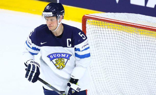 Lasse Kukkonen yritti sytyttää Leijonalaumaa nyrkkipyykillään.