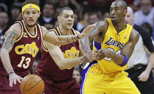 NBA-tähtipelaaja Kobe Bryant lopettaa uransa.