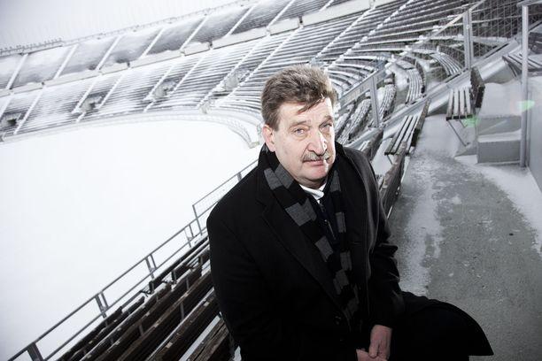 Pertti Alaja teki pitkän päivätyön suomalaisen jalkapallon hyväksi.
