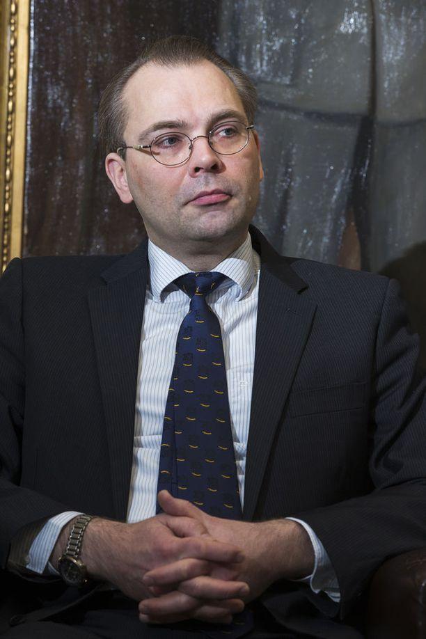 Puolustusministeri Jussi Niinistö (sin) ei lämmennyt puolustusvoimien kasvisruokapäivälle.