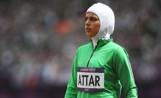 Saudi Arabian Sarah Attar osallistui naisten 800 metrin juoksuun Lontoon olympialaisissa vuonna 2012. Hän oli Saudi-Arabian ensimmäinen naispuolinen yleisurheilija olympialaisissa.