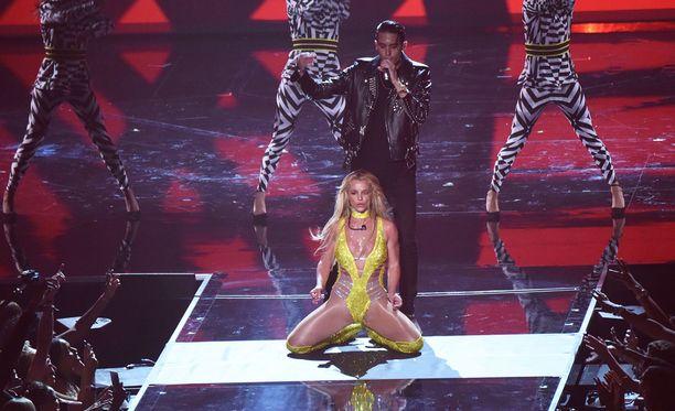 Britneyn paluu ihastutti ja vihastutti.