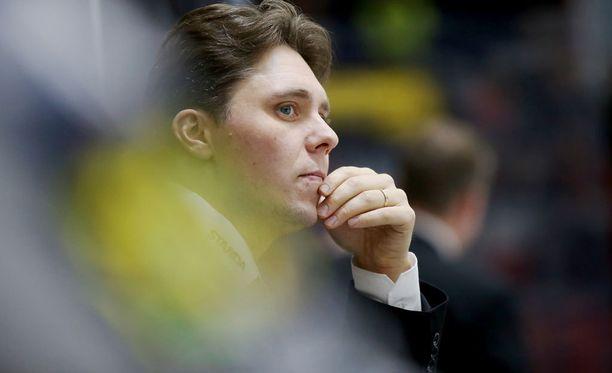 Tuomas Tuokkola palkattiin KooKoon päävalmentajaksi.