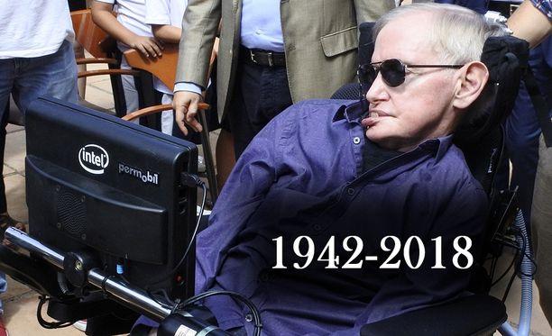 Cambridgen yliopistossa opettaneet suomalaisprofessorit muistelevat Iltalehden haastattelussa, että fyysikko Stephen Hawking eli pitkän ja kunnioitettavan elämän vaikeuksistaan huolimatta. Hawking sairasti ALS-tautia.