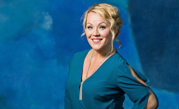 Tangokuningatar Heidi Pakarinen on käynyt muutamilla treffeillä, jotka ovat kuitenkin jääneet siihen.