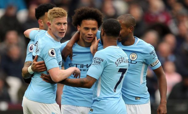 Manchester City kylvetti West Hamia valioliigassa sunnuntaina.