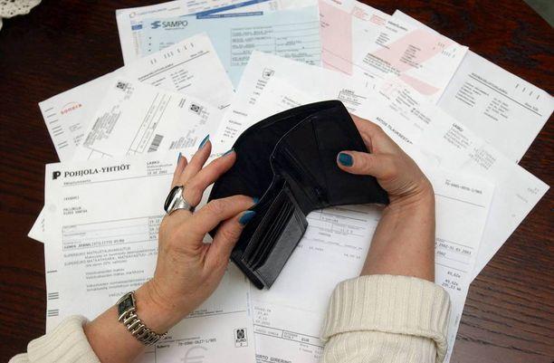 Vanhakaan velka ei vanhene, jos se on pidetty voimassa muistuttamalla velallista alle kolmen vuoden välein saatavasta.