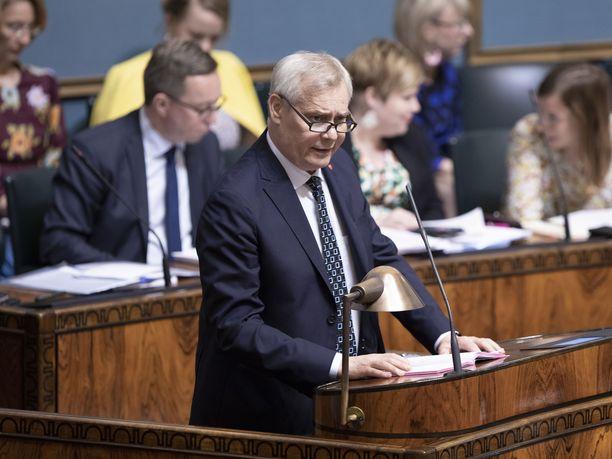 Eduskunta keskusteli keskiviikkona lapsimyönteisemmästä Suomesta. Kuvassa pääministeri Antti Rinne (sd).