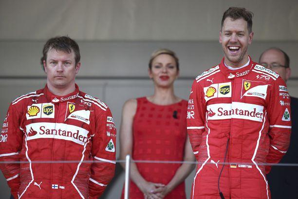 Kimi Räikkönen ei peitellyt pettymystään Monacon palkintopallilla.
