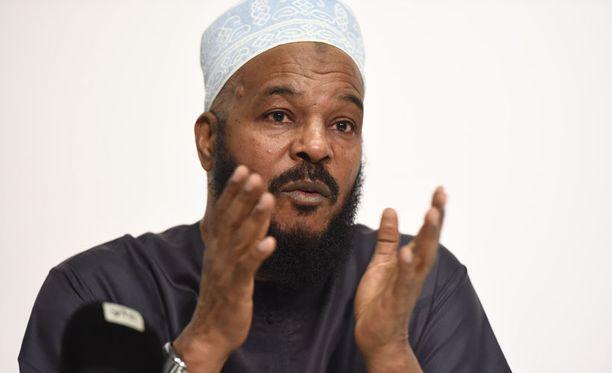 Muslimisaarnaaja Bilal Philips on maailmalla kiistelty hahmo, jota on epäilty jopa terroristikytköksistä.