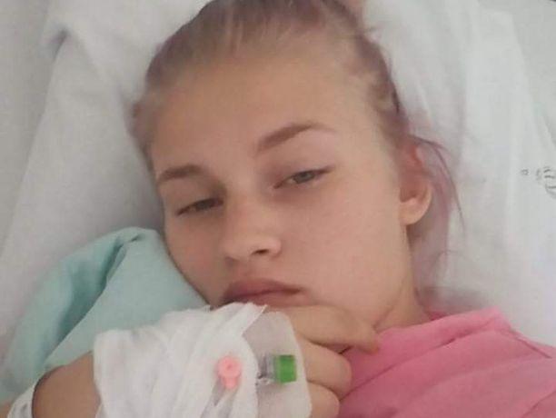 Janette Jokelainen uskoo, että hänen nuori ikänsä oli yksi syy siihen, miksi veritulppaa ei pidetty ensisijaisena vaihtoehtona.