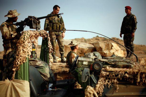Ranskalaissotilaat saapuivat auttamaan Malin armeijaa taistelussa islamisteja vastaan.