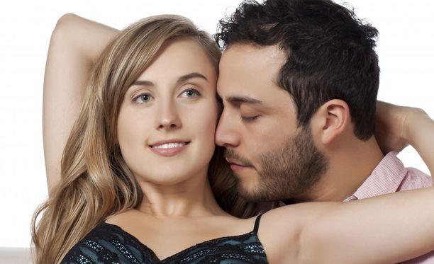 Fiksu mies ei tuomitse naista - olipa tämä aktiivinen seksissä tai ei.