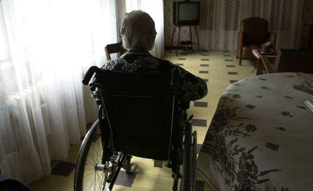 Suomen väestö vanhenee kovaa vauhtia.