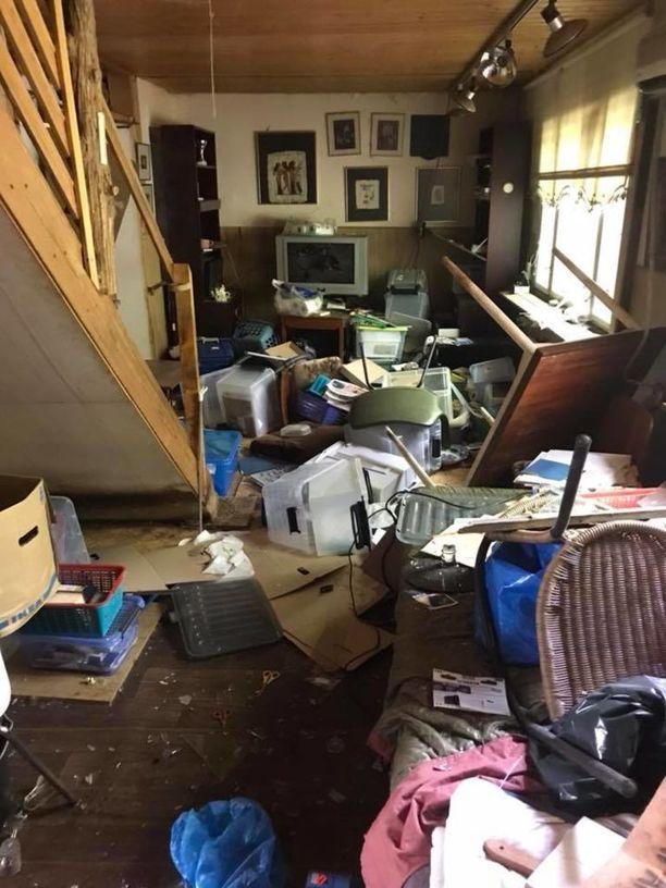 Talon sisätilat on tuhottu miltei kokonaan.