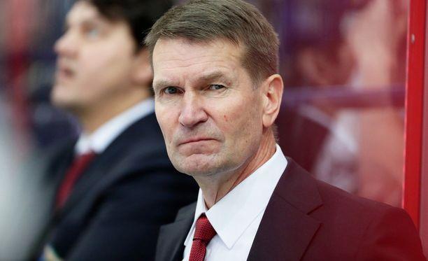 Erkka Westerlundin luotsaama Salavat Julajev Ufa on kivunnut kiinni playoff-paikkaan.